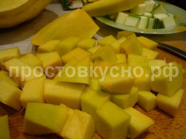 Овощи режем крупно.