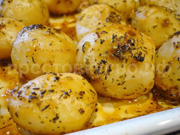 Картофель запеченный с медом и травами